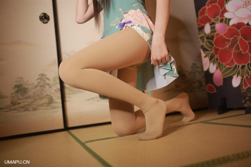 红伞下的肉丝旗袍少女[40P]